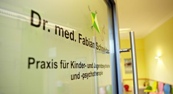 Kinder-und-Jugendpsychiatrie-Koeln-Schneider